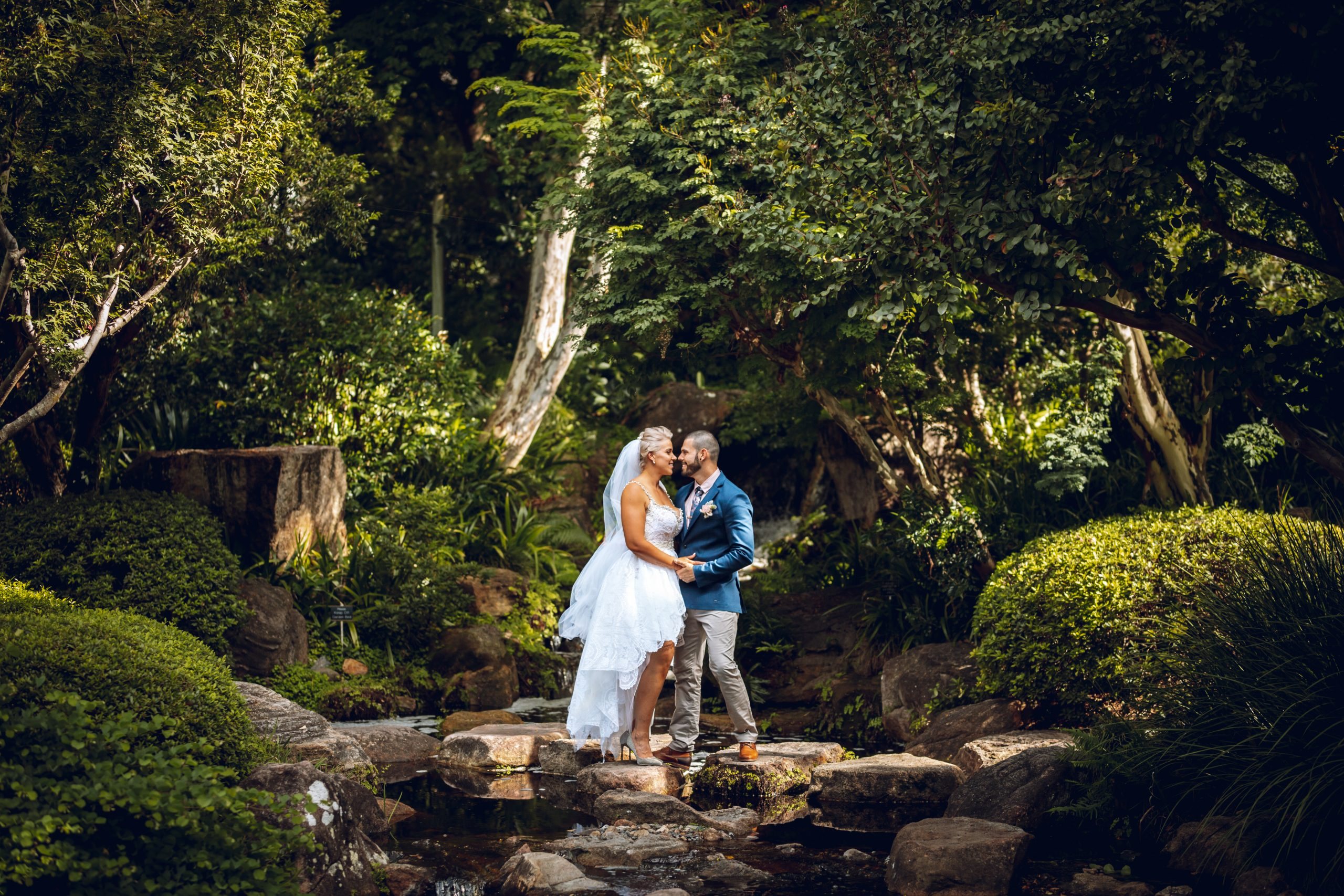 Mount Coot-Tha elopement bride and groom
